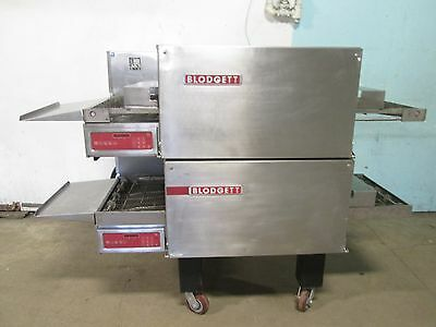 """blodgett"" Hd Commercial 208V 3Ph Electric Double Stacked Conveyor Pizza Oven"