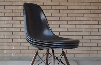 4 Authentic Herman Miller Fiberglass Eames Shell Chairs Gray