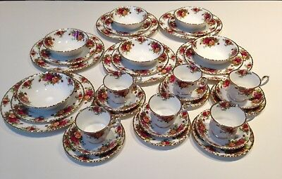 Royal Albert Old Counrty Roses 36 Piece Place Setting
