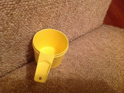 Tupperware yellow 1 cup measure  761-6    .. kitchen