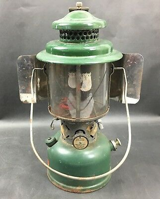 Vintage 220E Coleman Double Mantle Lantern June 1962 Mfg with Reflector Shield