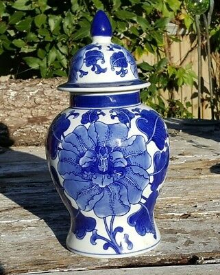 Large Vintage Chinese Blue and White Temple / Ginger Jar in VGC