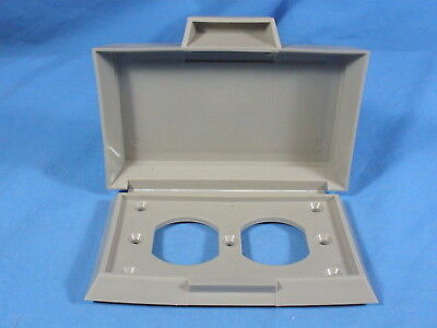 NEW Horizontal ROBROY Nonmetallic Gray Duplex Weatherproof Outlet Cover