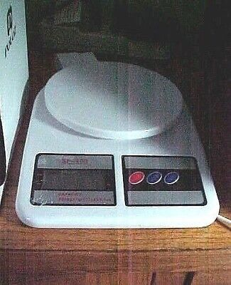 Postal Scale for Kitchen / Letters or Packages /Battery Powered