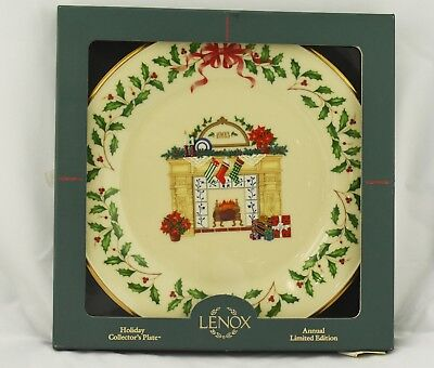1993 Annual Lenox China Holiday Christmas Plate w/Box Limited Edition Fireplace