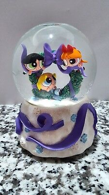Power Puff Girls Deck the Halls Snowglobe Enesco Christmas Music Box Snow Girls