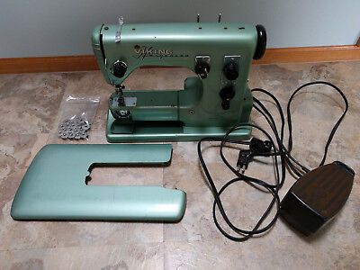 VINTAGE HUSQVARNA VIKING CL 40A Sewing Machine Automatic '4040 W Magnificent Bobbins For Viking Husqvarna Sewing Machine