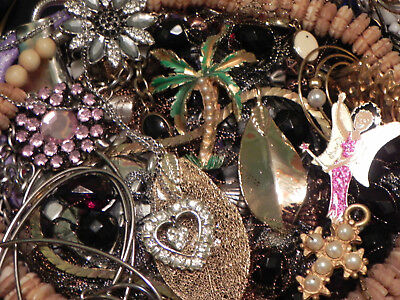 Estate Sale Lot Of Vintage -Modern Jewelry #718, Some Signed