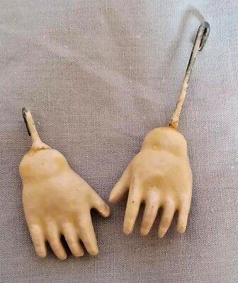 Small Pair Of 3 Cm (1.2 Inch) Antique German Composition Jointed Dolls Hands