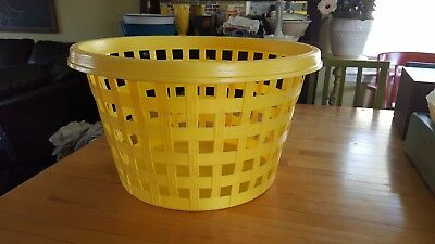 RUBBERMAID VINTAGE LAUNDRY #2966 BASKET ROUND Roughneck yellow