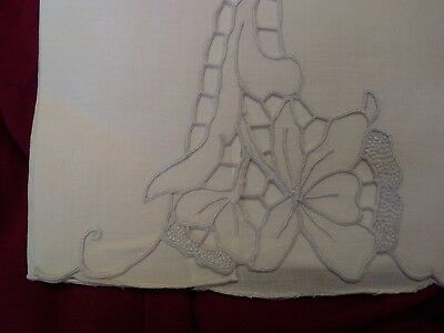 """Beautiful Madeira Cutwork and  Embroidered  Linen Hand Towel 20"""" x 13 1/2"""""""
