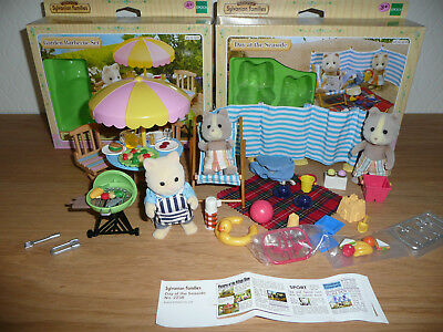 "Sylvanian Families ""Day at the Seaside"" und ""Garden Barbecue Set"""