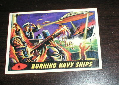 1962 Topps Mars Attacks #6 Burning Navy Ships