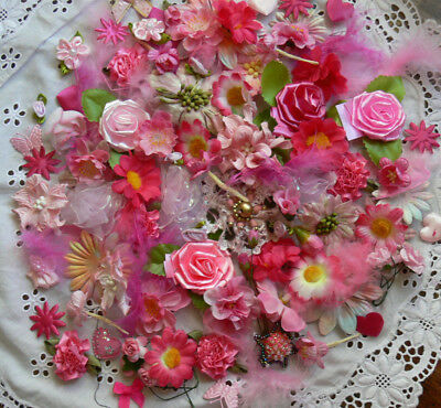 PINKS & FUCHSIA Over 70 Flower Petals & Feathers Mix 1-6cm GreenTara &other WFMB