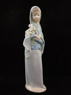 Lladro Porcelain Girl Lady Woman w/ Calla Lillies Lily Flowers Figure