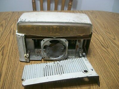 silvertone 9006 chassis 132.858 tube radio for parts or restore