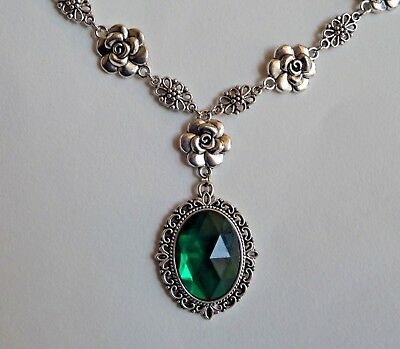 Camellia Filigree Victorian Style Emerald Green Acryl Silver Plated Necklace Cf
