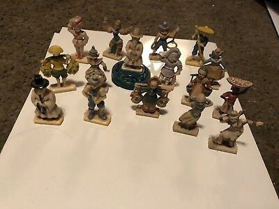 Lot Of 16 Various Countries Plastic Figures Vintage Rare