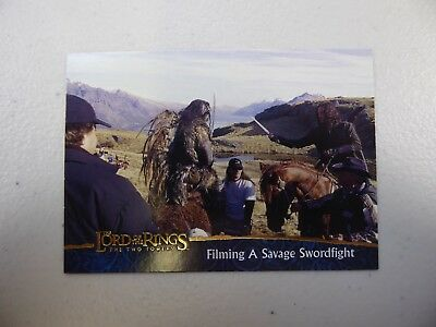 TOPPS Lord of the Rings: The Two Towers - Card #87 FILMING A SAVAGE SWORDFIGHT