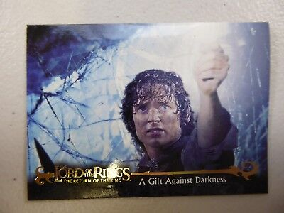 TOPPS Card : LOTR The Return Of The King  #65 A GIFT AGAINST DARKNESS