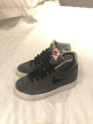 Kids Nike Grey Trainer Uk 10. Virtually Brand New Only Worn Once