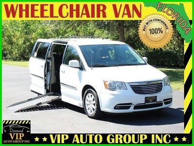 2014 Chrysler Town & Country Touring 2014 Chrysler Town & Country Touring Handicap Wheelchair Van Mobility Power Side