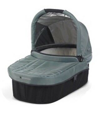 Uppababy Vista Bassinet And Stand!!