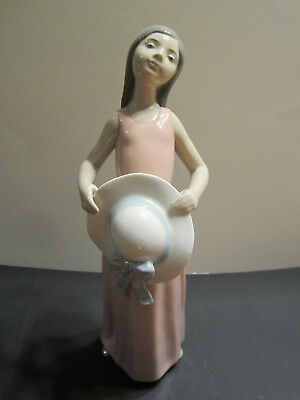 """Lladro Porcelain figurine """"The Dreamer"""" Young Girl Holding Hat, #5008"""