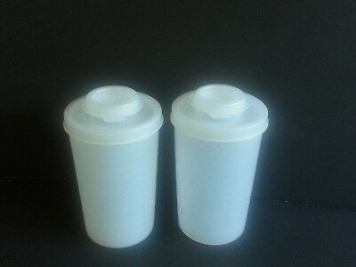 Set of 2 Vtg TUPPERWARE Sheer Salt Pepper Spice Shakers #102 w/ Sheer Lids #634