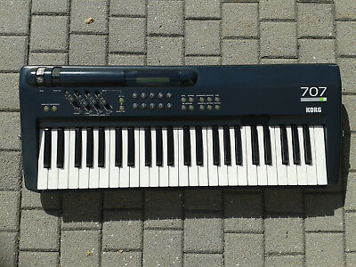 Korg 707 Performing Synthesizer