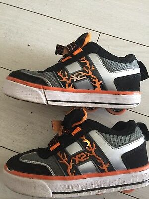 Heelys Size 12 Boys Lights Up Pair Of Shoes Hardly Used