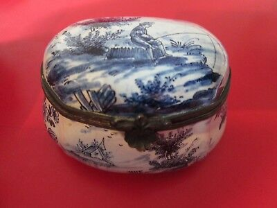 17th C - DELFT - BLUE & WHITE - BOY FISHING - SNUFF BOX by WILLIAM KOOL 1697