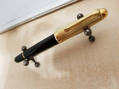 Aurora 88 full size fountain pen with goldplated cap