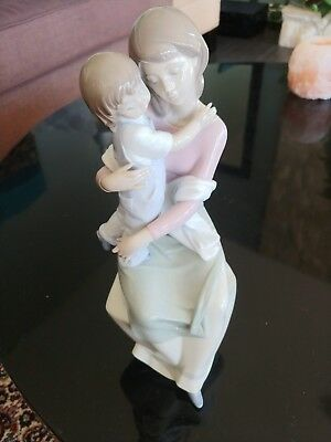 Lladro 6634 A Mother's Love figurine *mint*