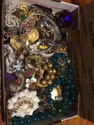 HUGE VINTAGE TO NOW ESTATE FIND JEWELRY LOT JUNK DRAWER Wearable Unsearched T4