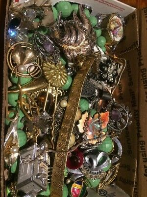HUGE VINTAGE TO NOW ESTATE FIND JEWELRY LOT JUNK DRAWER Wearable Unsearched T3