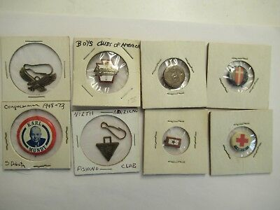 Lot of 8 vintage pins and buttons