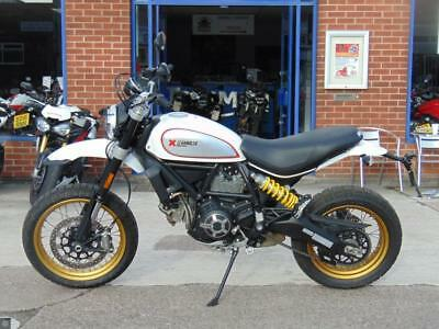 DUCATI SCRAMBLER DESERT SLED 2017 WHITE  only 712 miles NOT EX DEMO