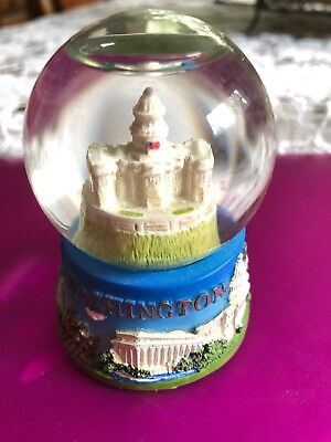 Washington DC Snow Globe