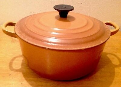 VINTAGE LE CREUSET CAST IRON ENAMELLED ROUND CASSEROLE IN BROWN SIZE C 20cm