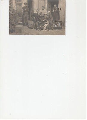 CPA carte-photo limonadier groupe personnages (Montrouge??)