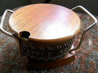 Retro apple sauce pot and stand