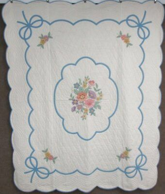 Beautiful c 1930s Floral Cottage APPLIQUE Quilt Vintage BLUE Bows Never Used