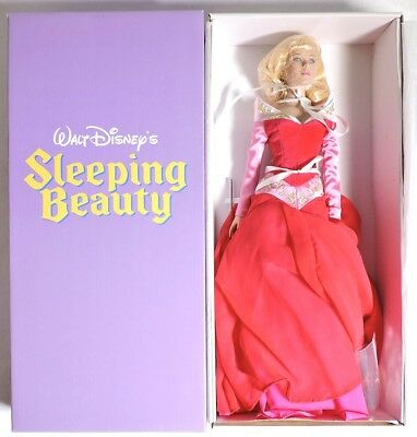 S885. Walt Disney's Sleeping Beauty PRINCESS AURORA L/E Tonner Doll (2008)