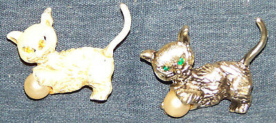 Old Pair of Cats with Pearl Balls Pins Silver/Black & Beige/Gold