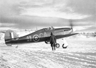 Photo 7x5 Hawker  HURRICANE [001]