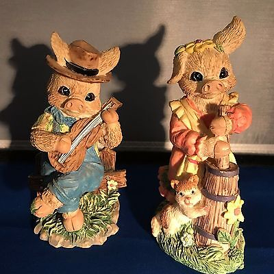 Country Pig Couple Resin Figurines (2)