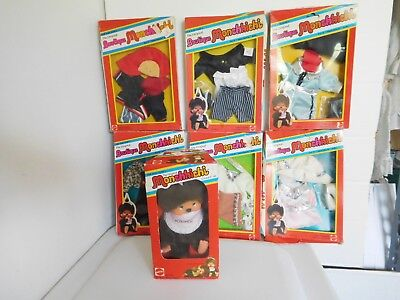 Vintage 1974 Mattel Sekiguchi Japan Monchhichi Monkey Doll & 6 Boutique Outfits