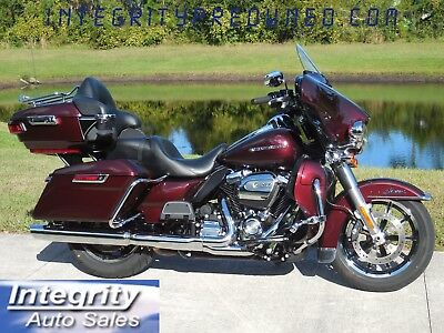 2018 Harley-Davidson Touring  2018 HARLEY ULTRA LIMITED LOW MILES FLAWLESS!!!
