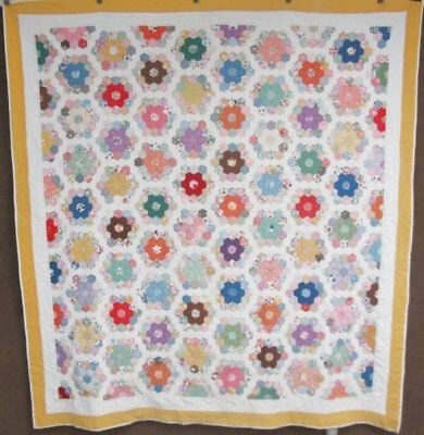 Beautiful c 1930s Grandmothers Flower Garden VINTAGE Quilt Feedsacks Juveniles